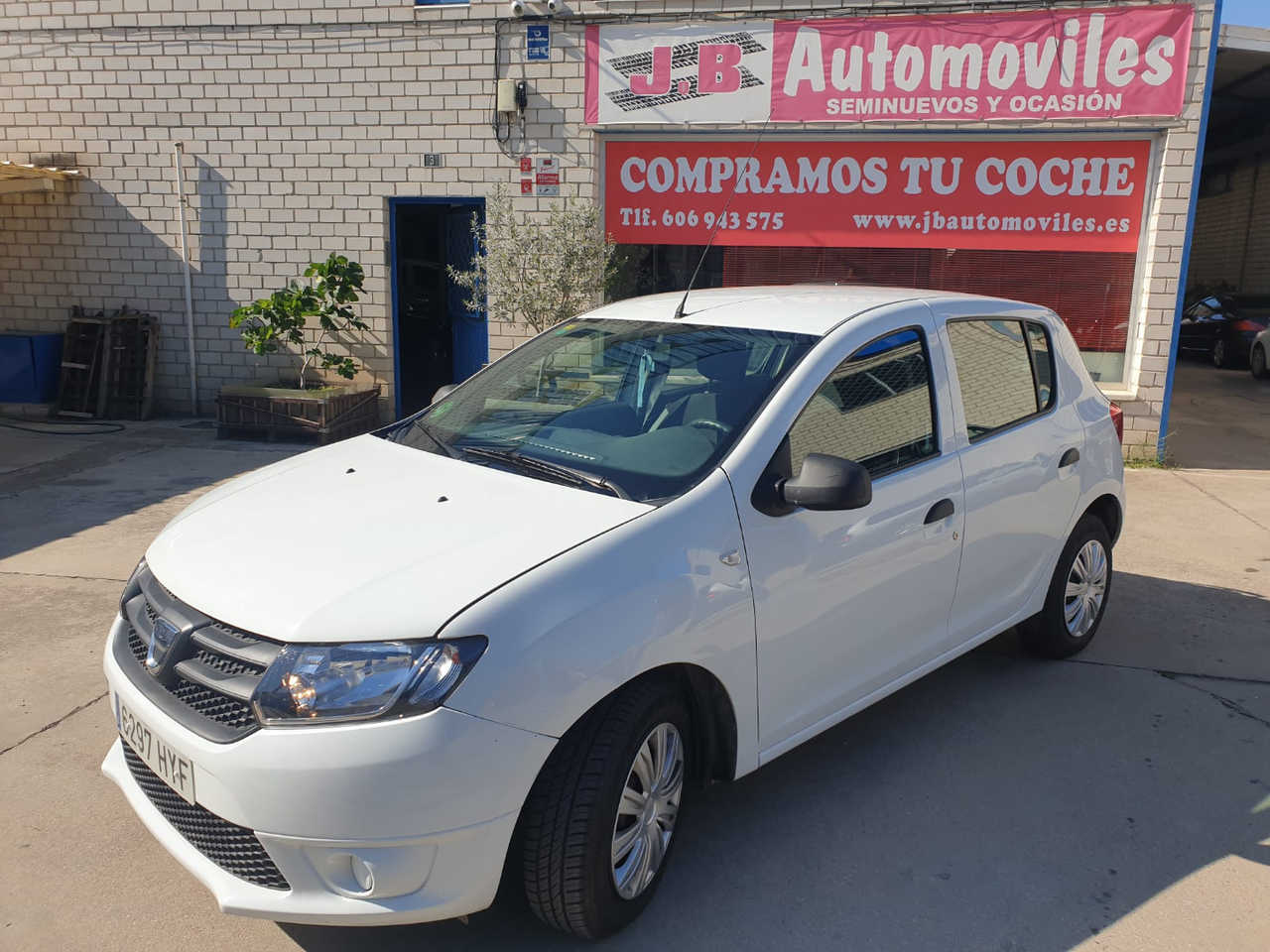 Dacia Sandero ambiance 1.2  75cv   - Foto 1