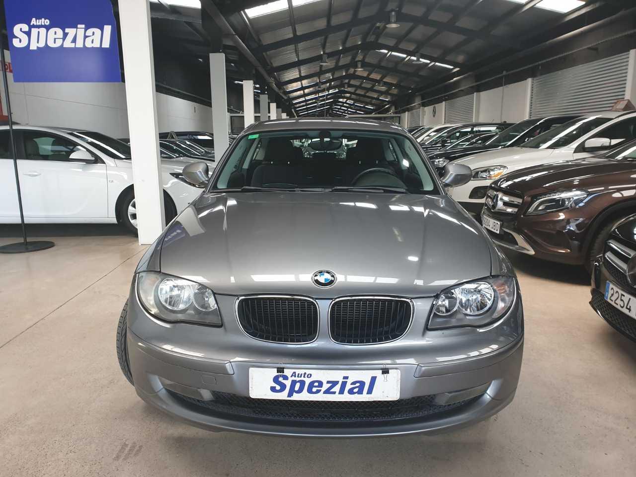 BMW Serie 1 120D 177CV 3P automatico  - Foto 1