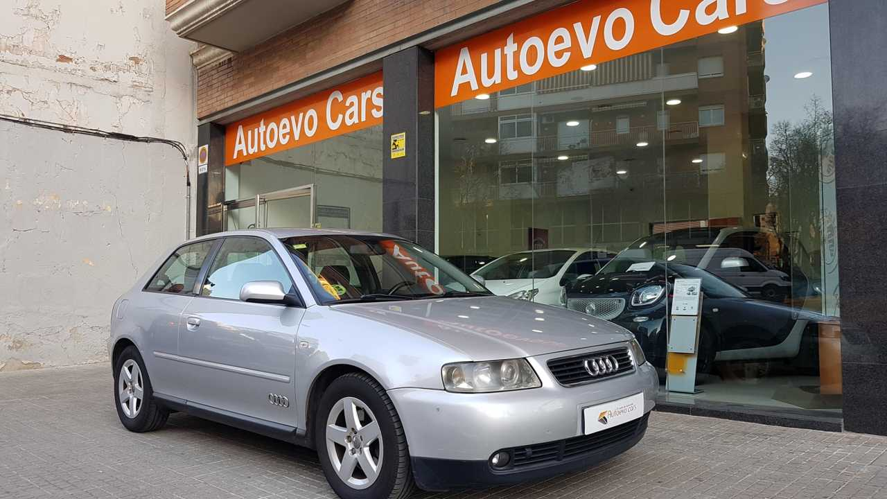 Audi A3 1.8 125cv Attraction   - Foto 1