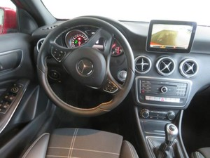 Mercedes-Benz Clase A 180 d Urban  - Foto 3