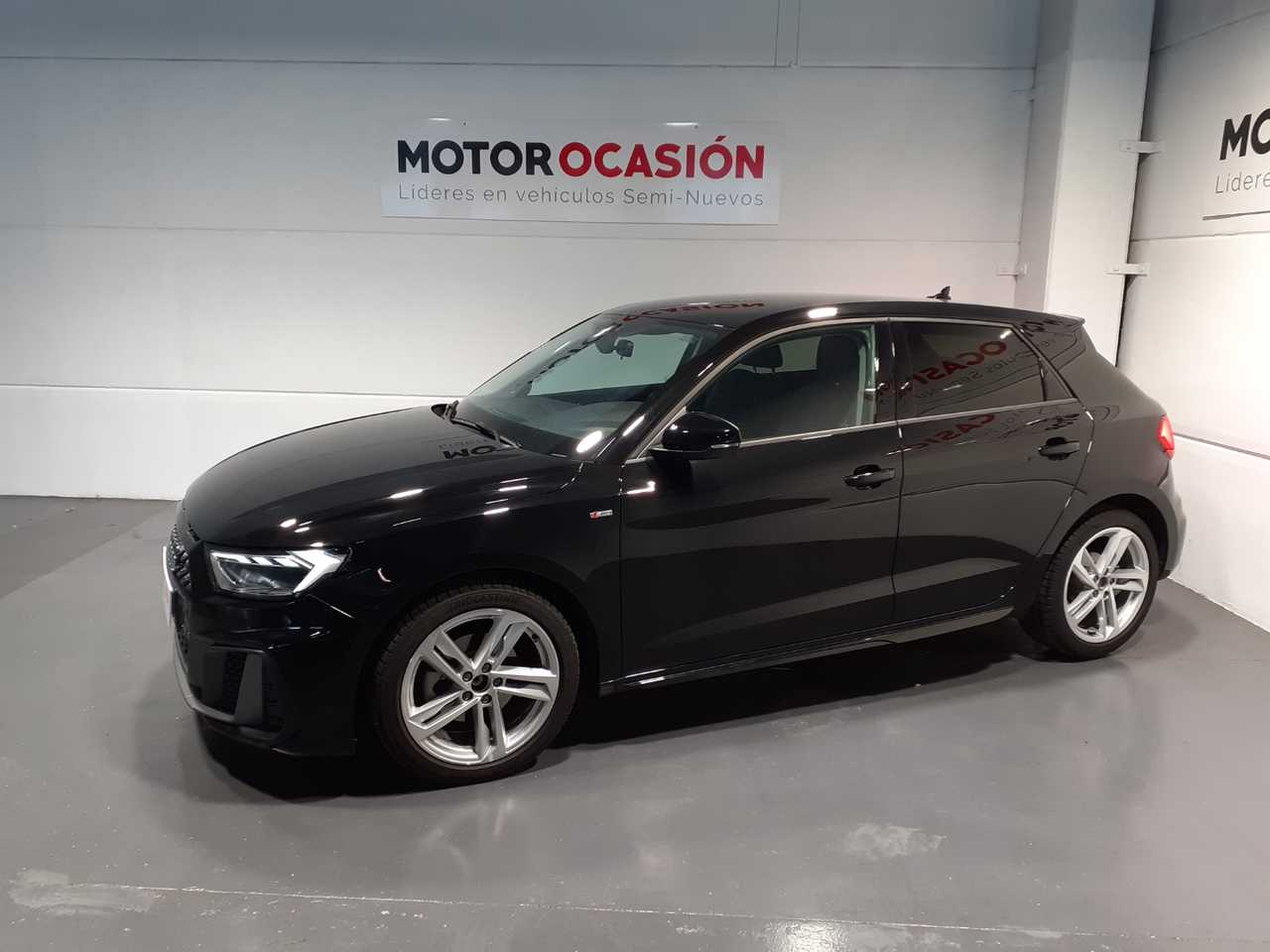 Audi A1 1.0 116CV   - Foto 1