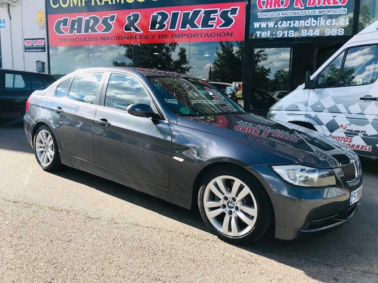 BMW Serie 3 330i 4p.   - Foto 1
