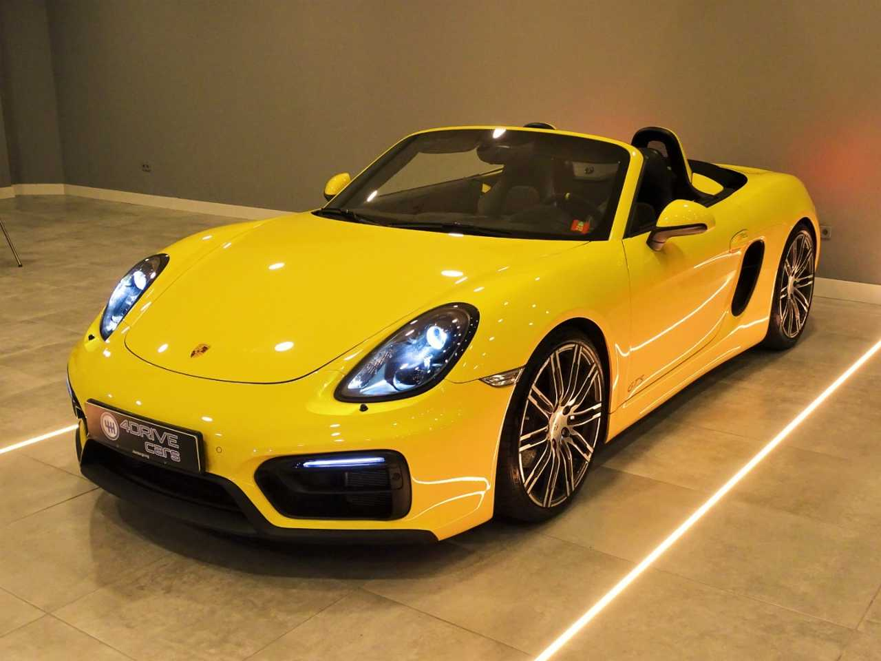 Porsche Boxster 981 GTS Racing Yellow   - Foto 1
