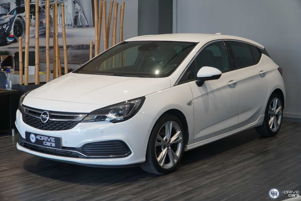 Opel Astra TURBO 200cv   - Foto 1
