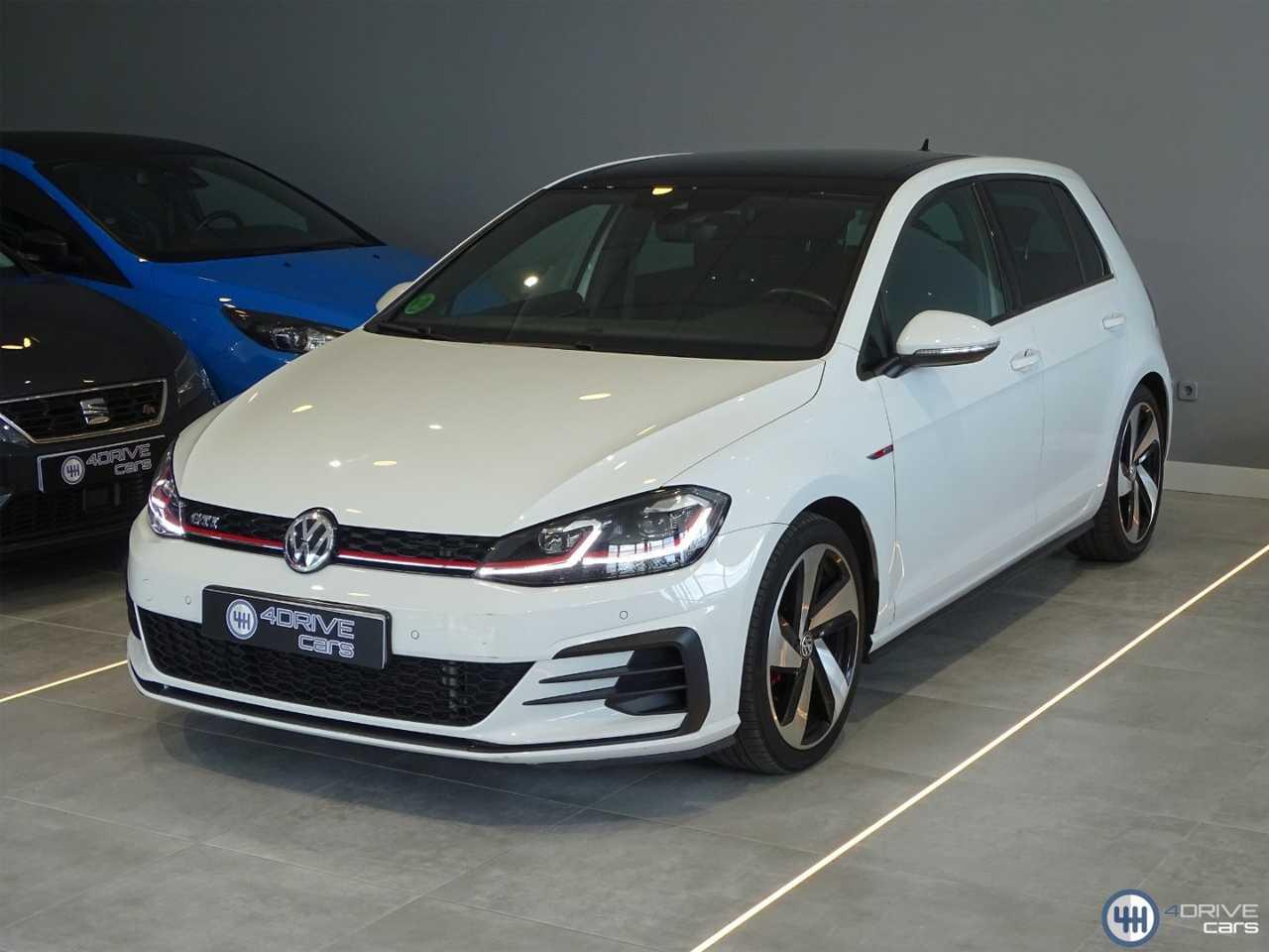 Volkswagen Golf GTI   - Foto 1