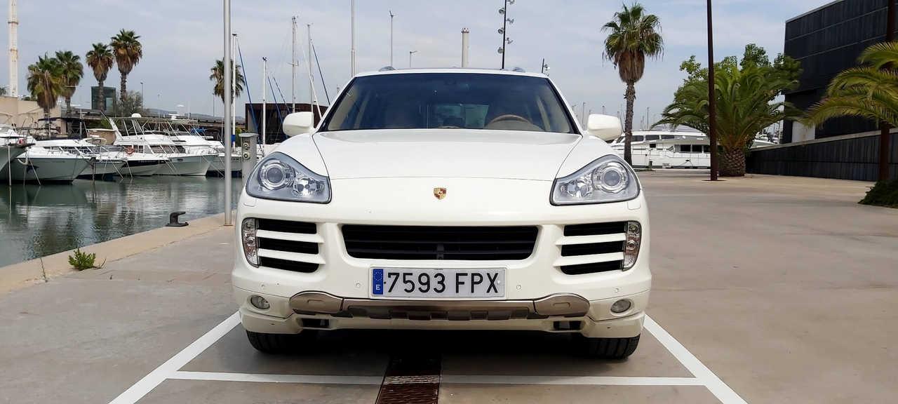 Porsche Cayenne S   - Foto 1