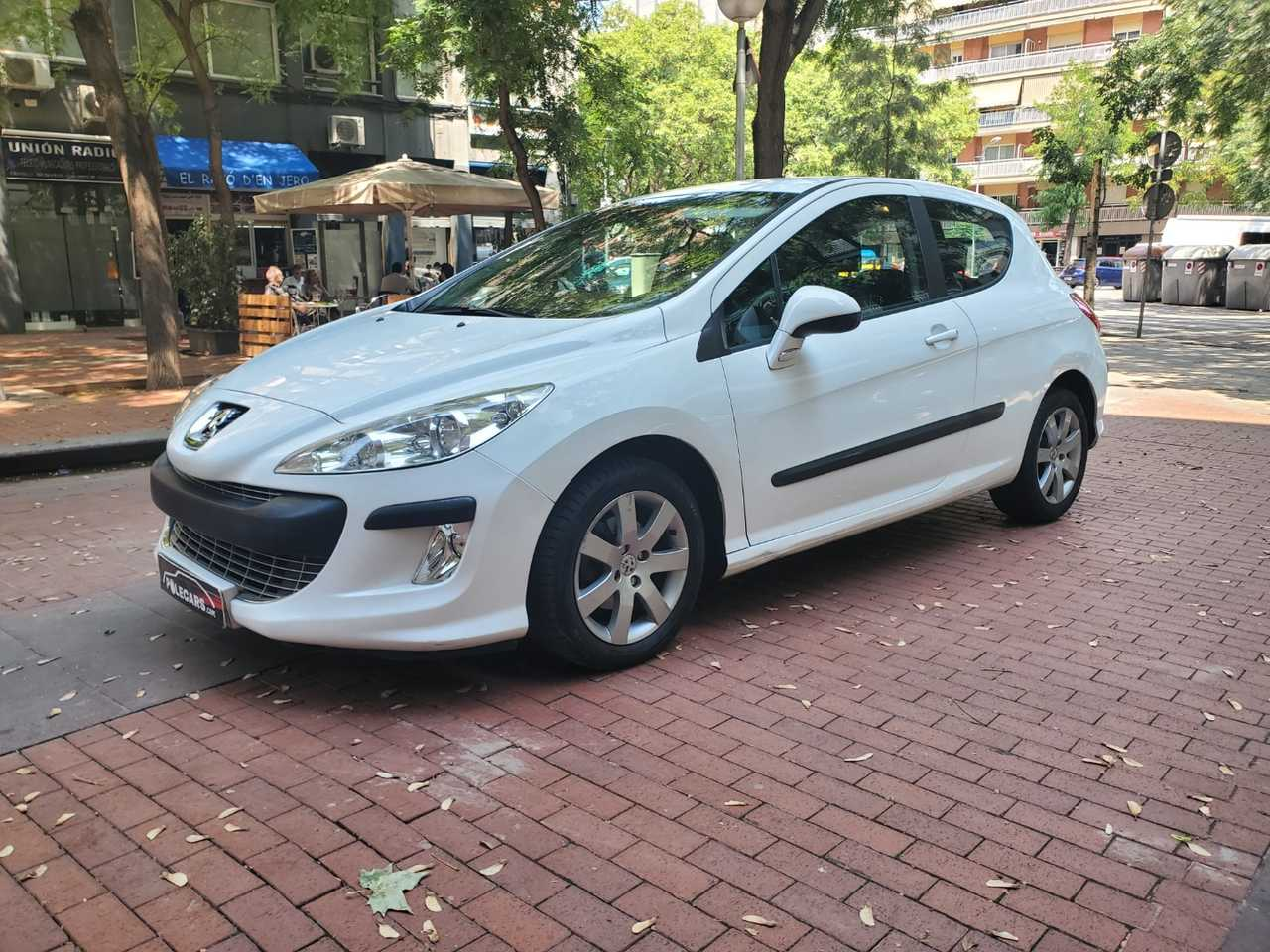 Peugeot 308 1.6 HDI Sport 3.p   - Foto 1
