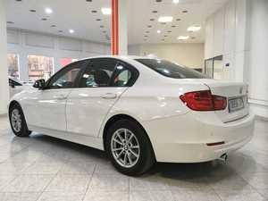 BMW Serie 3 318d / Navi / Bixenon / Parktronic -- NACIONAL --   - Foto 3