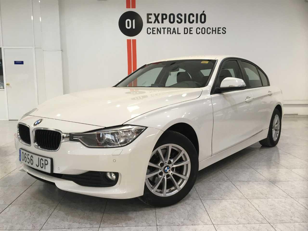 BMW Serie 3 318d / Navi / Bixenon / Parktronic -- NACIONAL --   - Foto 1