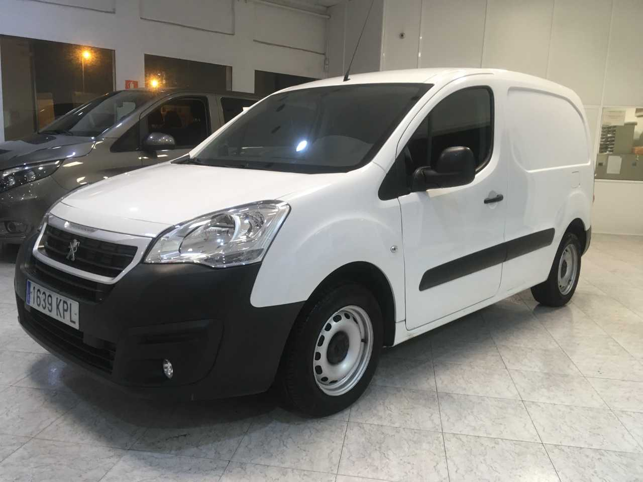 Peugeot Partner 1.6 BlueHDI 100cv Furgon Confort / Cruise /Bluetooth   - Foto 1