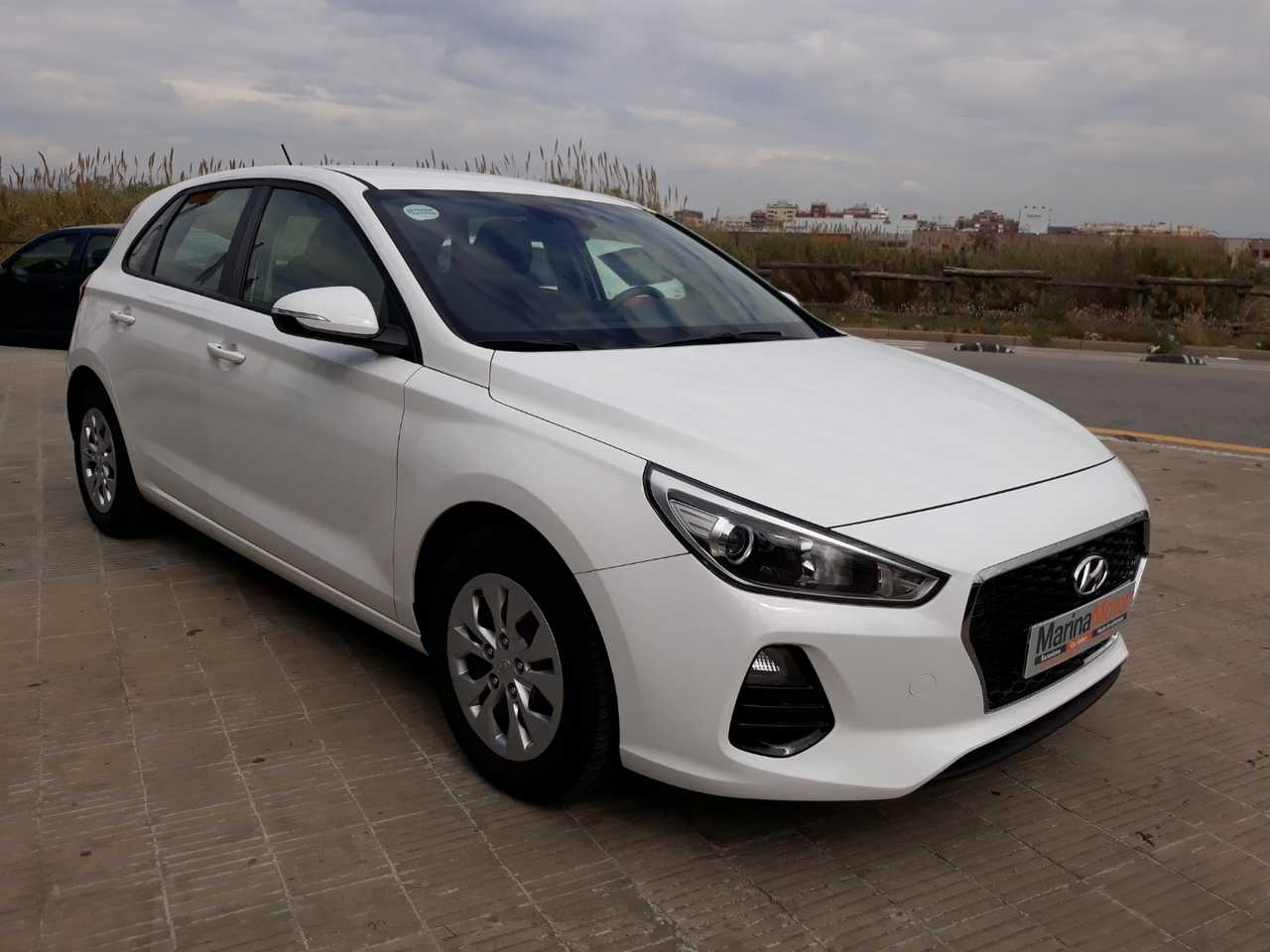 Hyundai i30 1.0 TGDI Klass 120   - Foto 1
