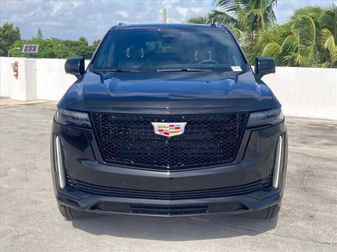 Cadillac Escalade ESV 2021 Cadillac Escalade ESV Sport Platinum   - Foto 1