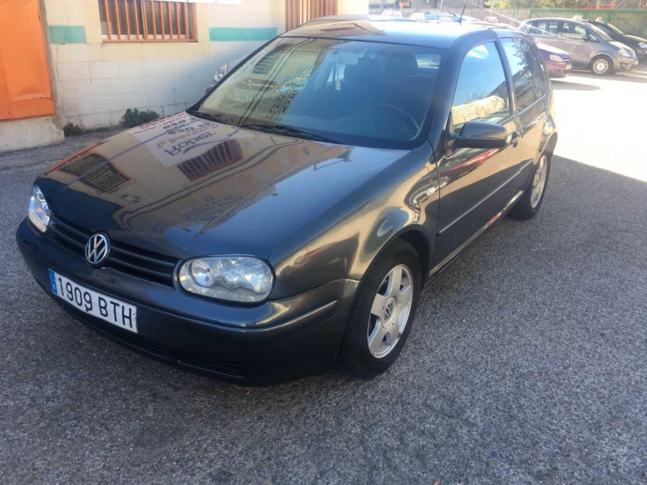 Volkswagen Golf 1.9 TDI 110   - Foto 1