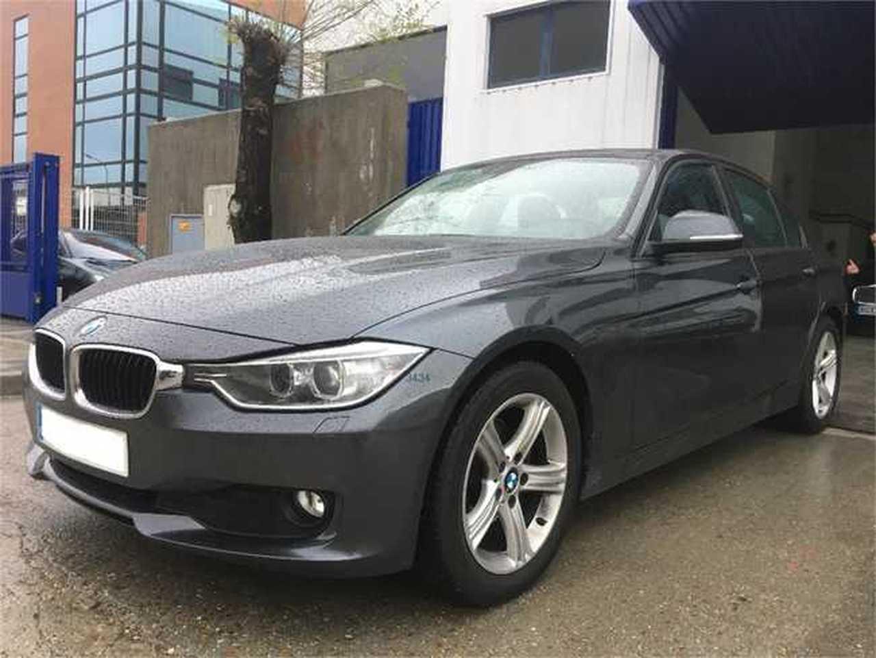 BMW Serie 3 Essential edition   - Foto 1