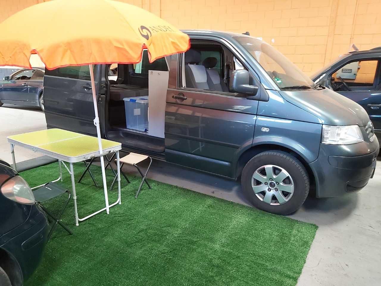 Volkswagen Multivan T5 2.5 TDI   - Foto 1
