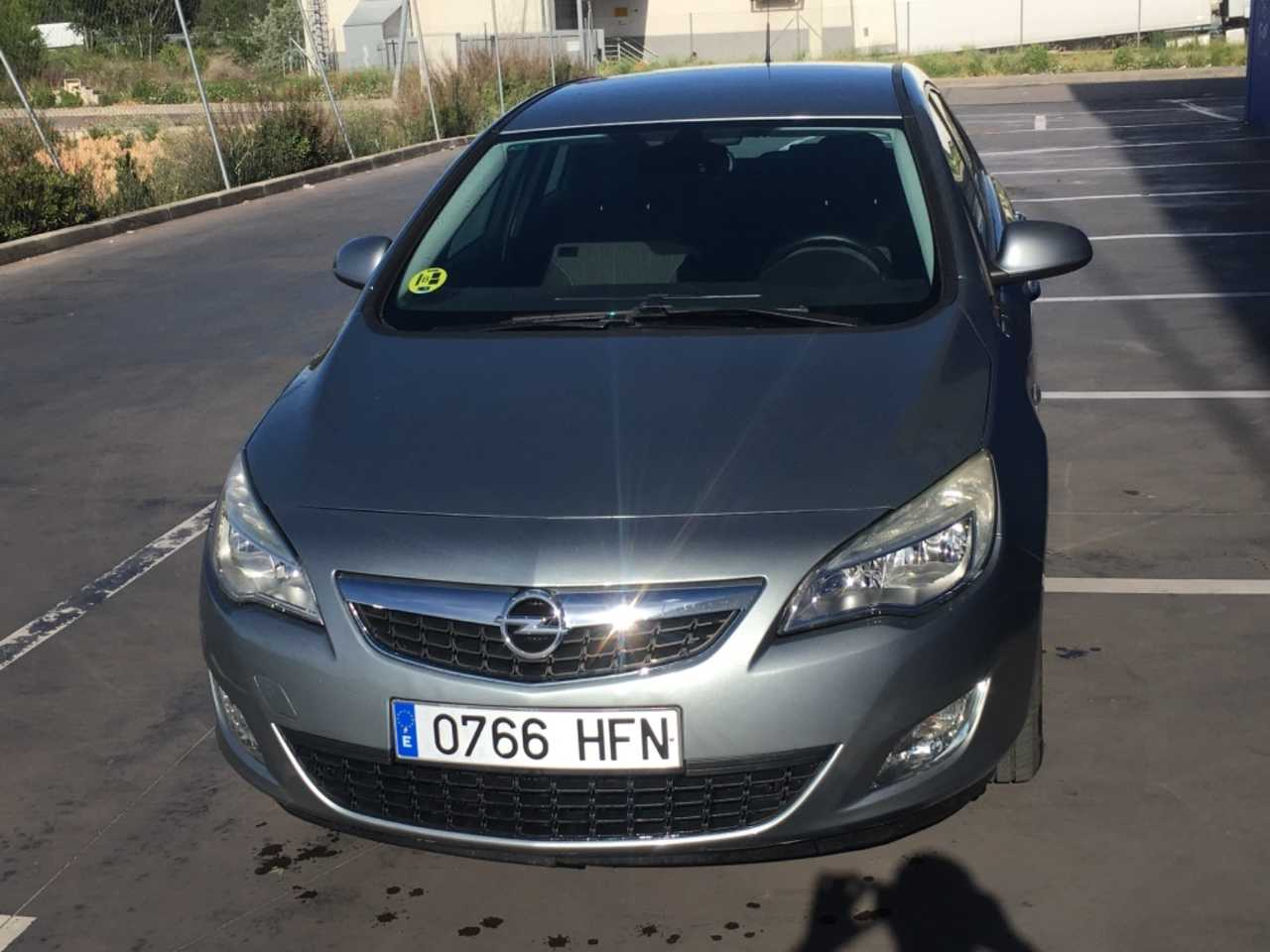 Opel Astra 1.3 cdti Enjoy   - Foto 1