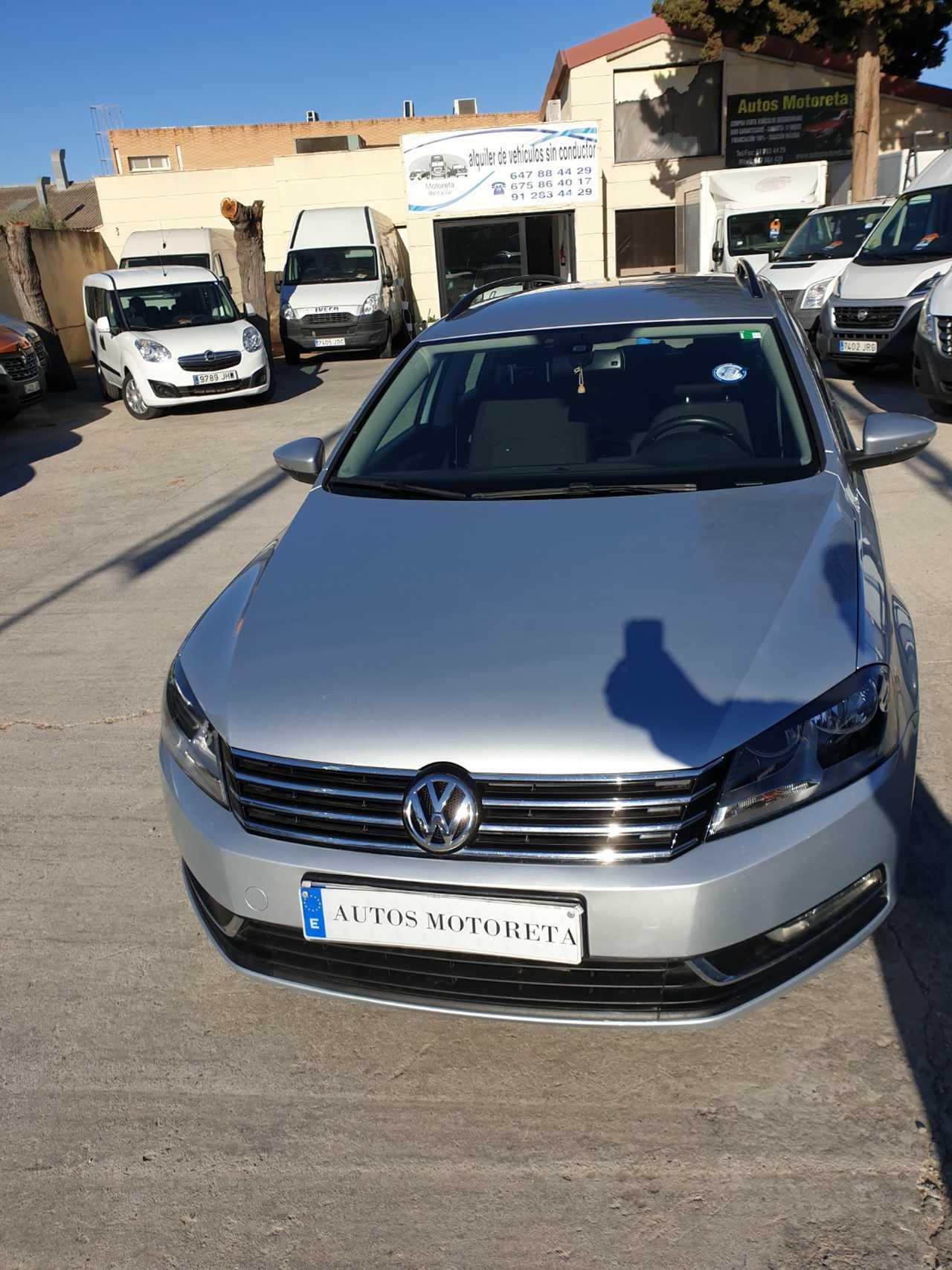 Volkswagen Passat Variant BLUE MOTION   - Foto 1