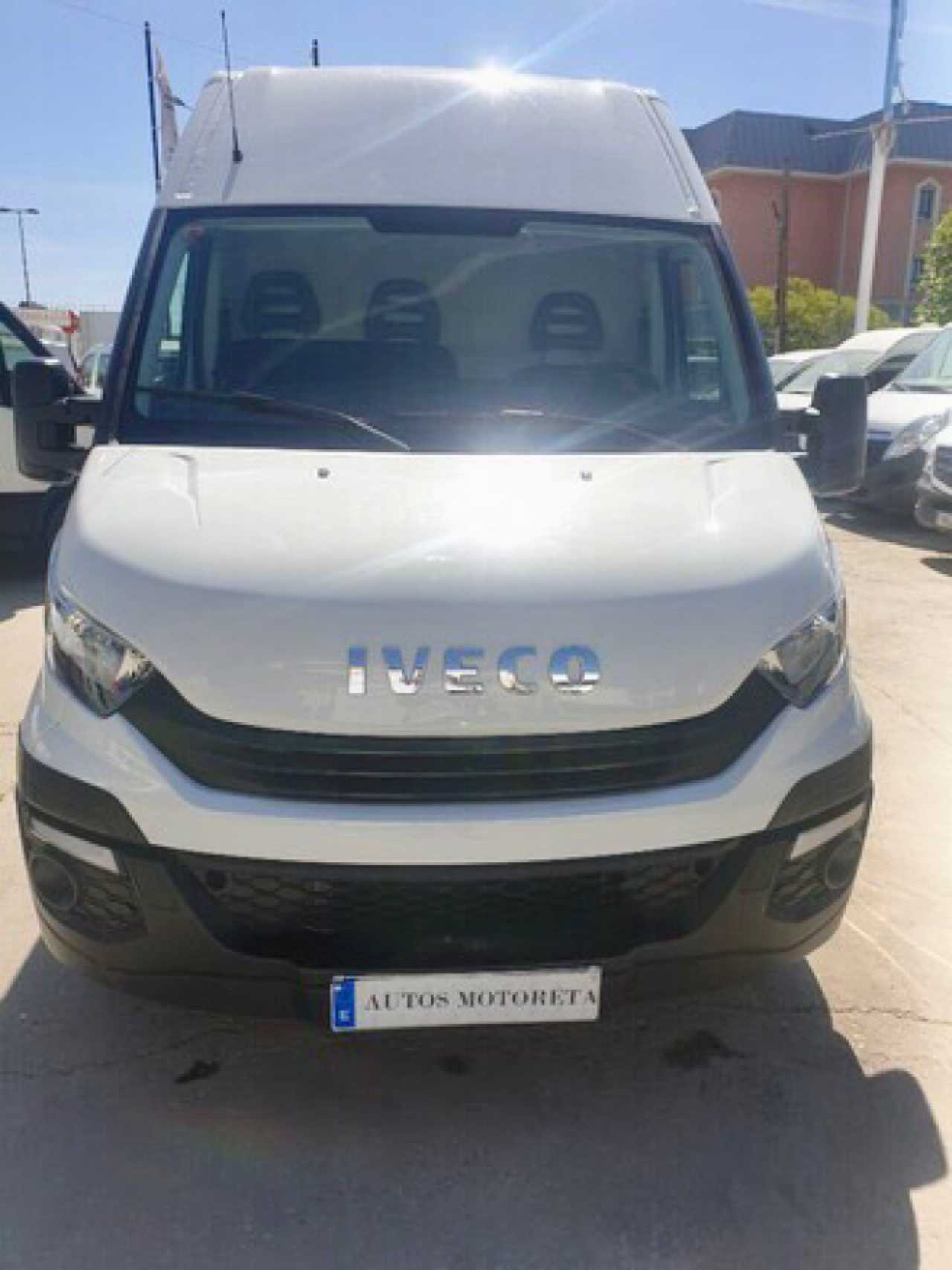 Iveco Daily 2.3TD 33S11 3520L H2   - Foto 1