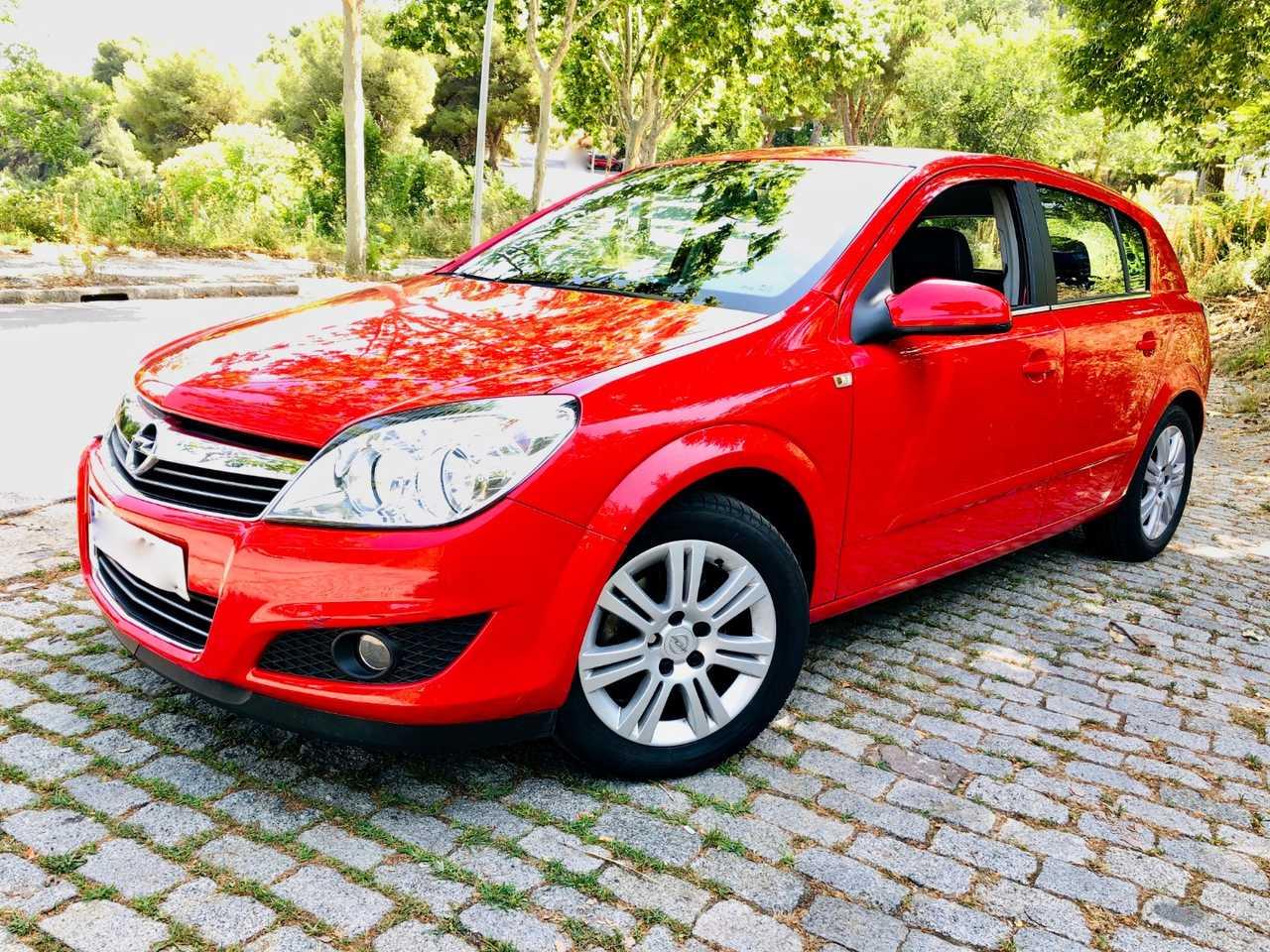 Opel Astra 1.8 16v 140cv Cosmo Auto. IMPECABLE.   - Foto 1