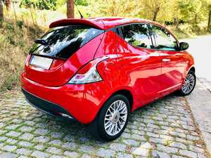 Lancia Ypsilon Black and Red Evo ll 70cv. Impecable !!!   - Foto 3