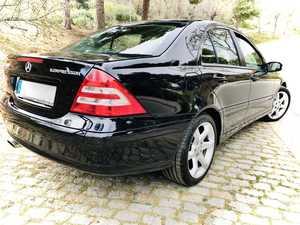 Mercedes Clase C 180K Sport Edition. Super cuidado. Impecable!!!   - Foto 2