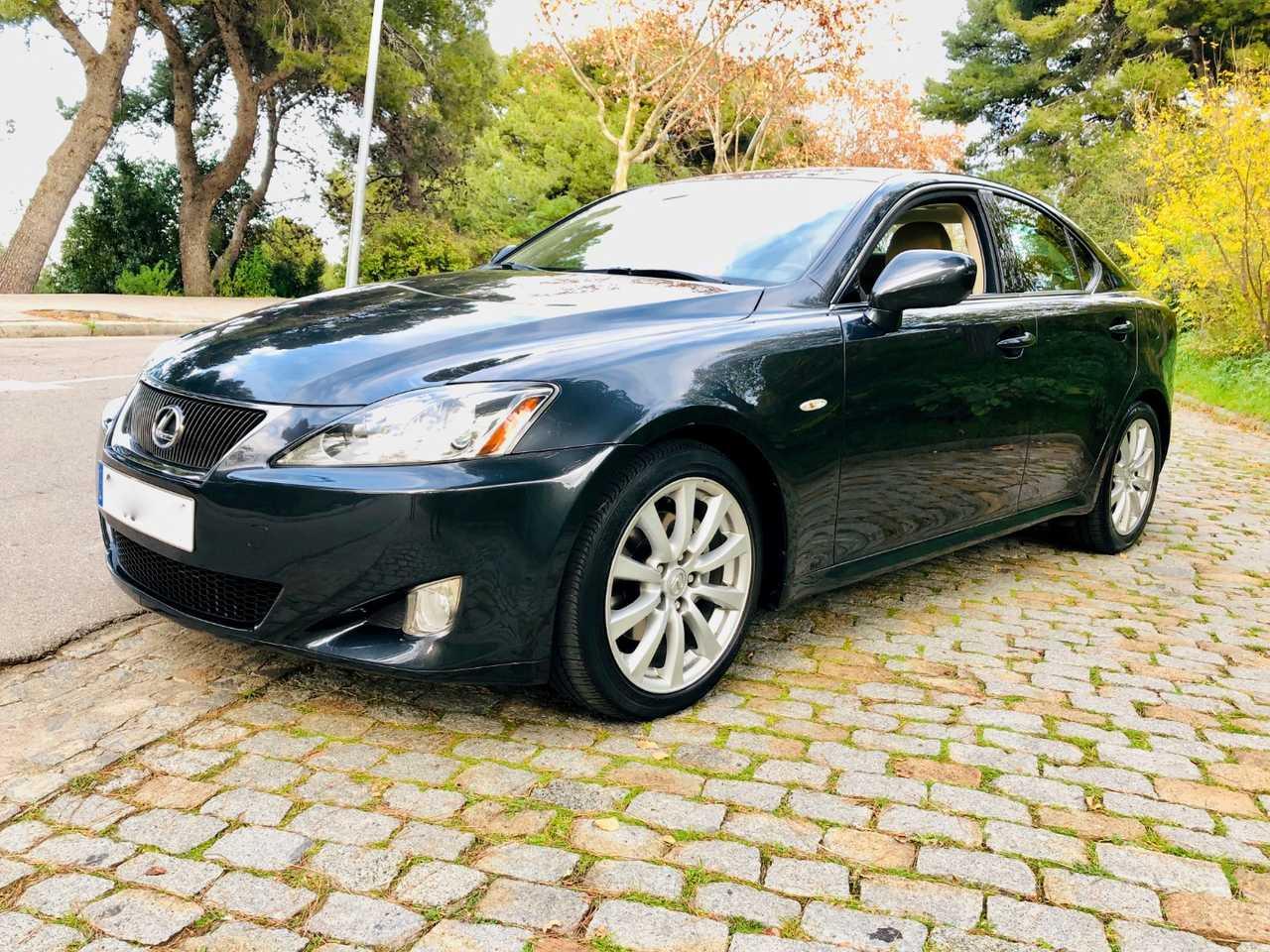 Lexus IS 250 President. Estado impecable.   - Foto 1