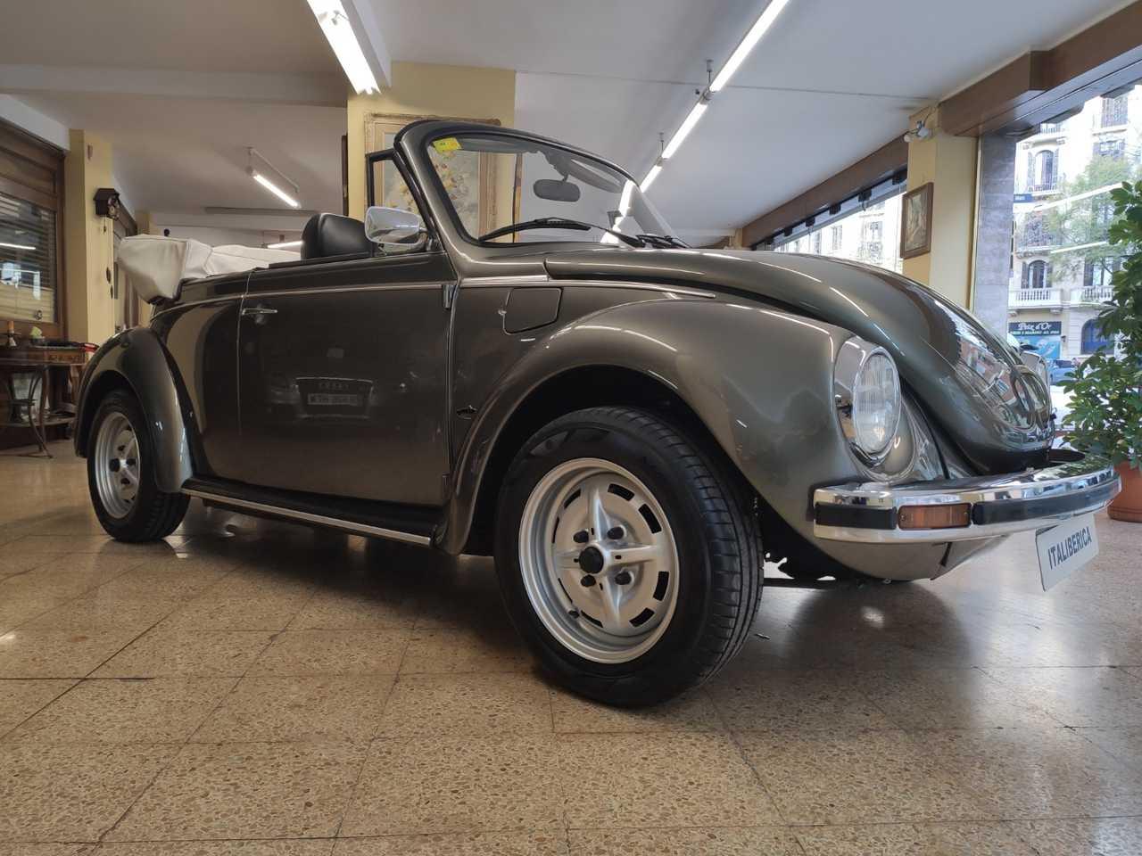 Volkswagen Beetle Cabrio CABRIOLET   - Foto 1