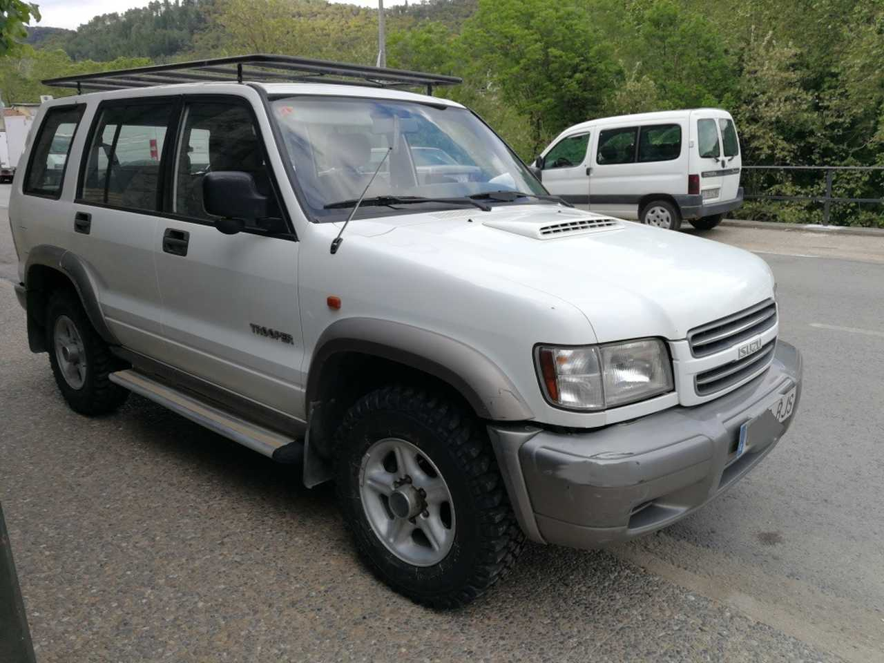 Isuzu Trooper 3.0 tdi turbo   - Foto 1