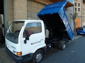 Nissan Cabstar VOLQUETE BASCULANTE/MEIDAS VOLQUETE UTILES:LARGO2,90m x ancho-1,79m. x barandas 50cm. disponible tam   - Foto 3