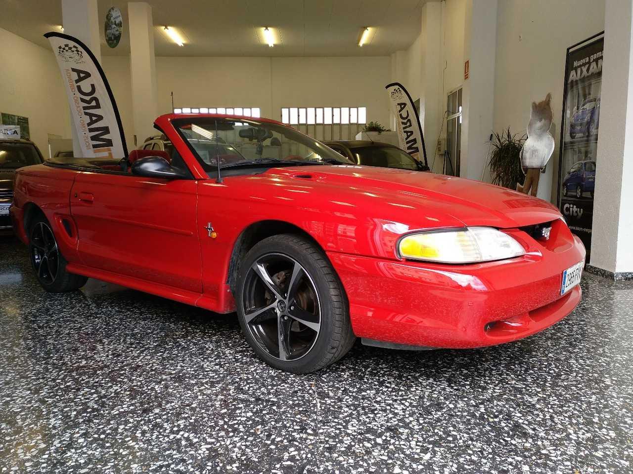 Ford Mustang Cabrio 3.8 V6 Auto   - Foto 1