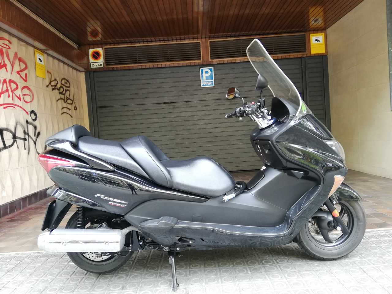 Honda Forza 250 X  - Foto 1