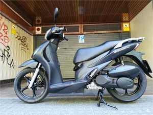 Suzuki Sixteen 125 NEGRO MATE  - Foto 3