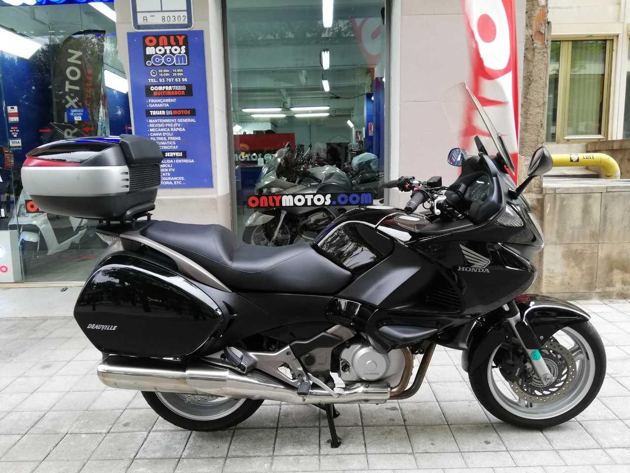 Honda Deauville 700  - Foto 1