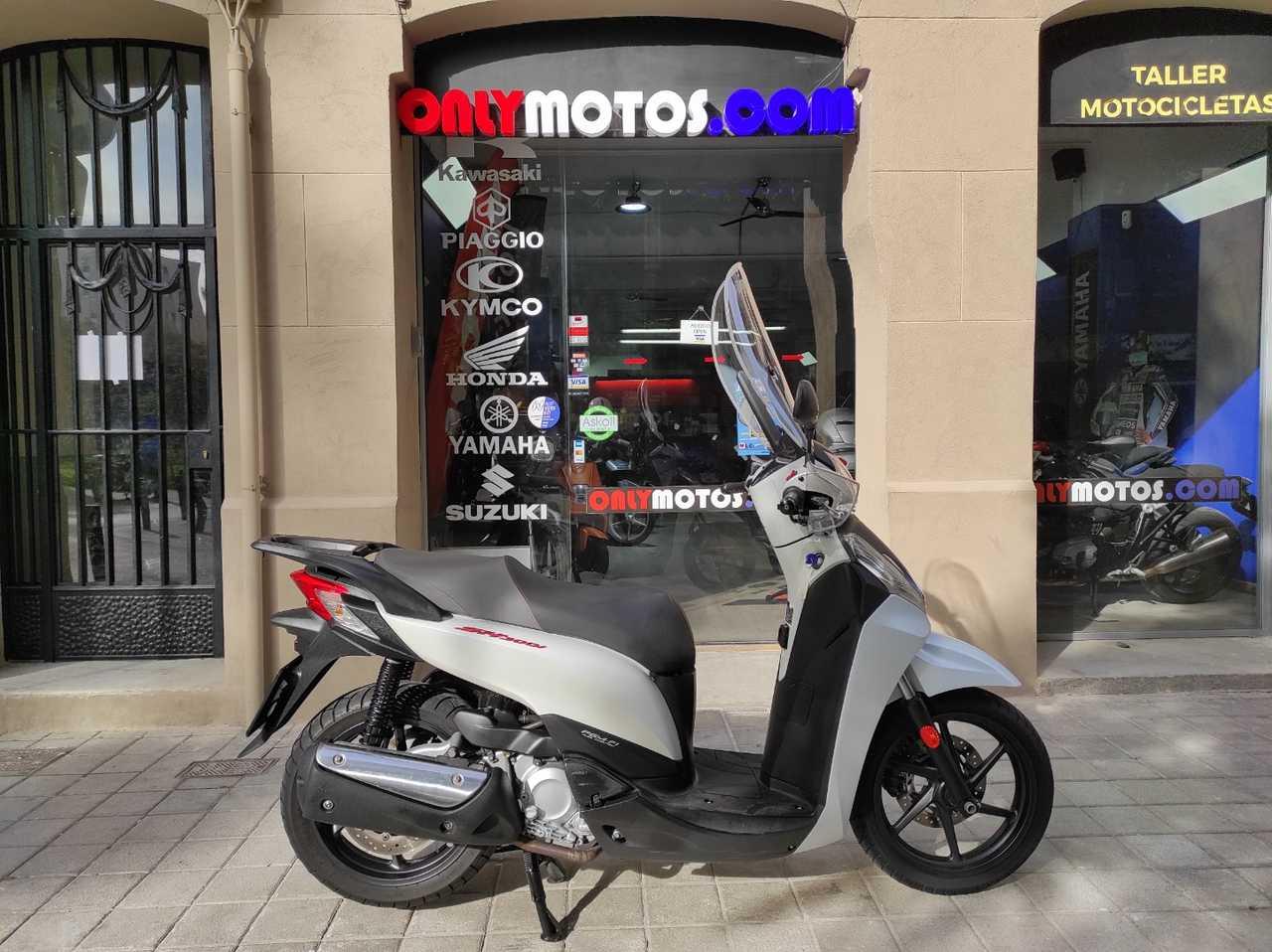 Honda SH 300i SPORT  - Foto 1