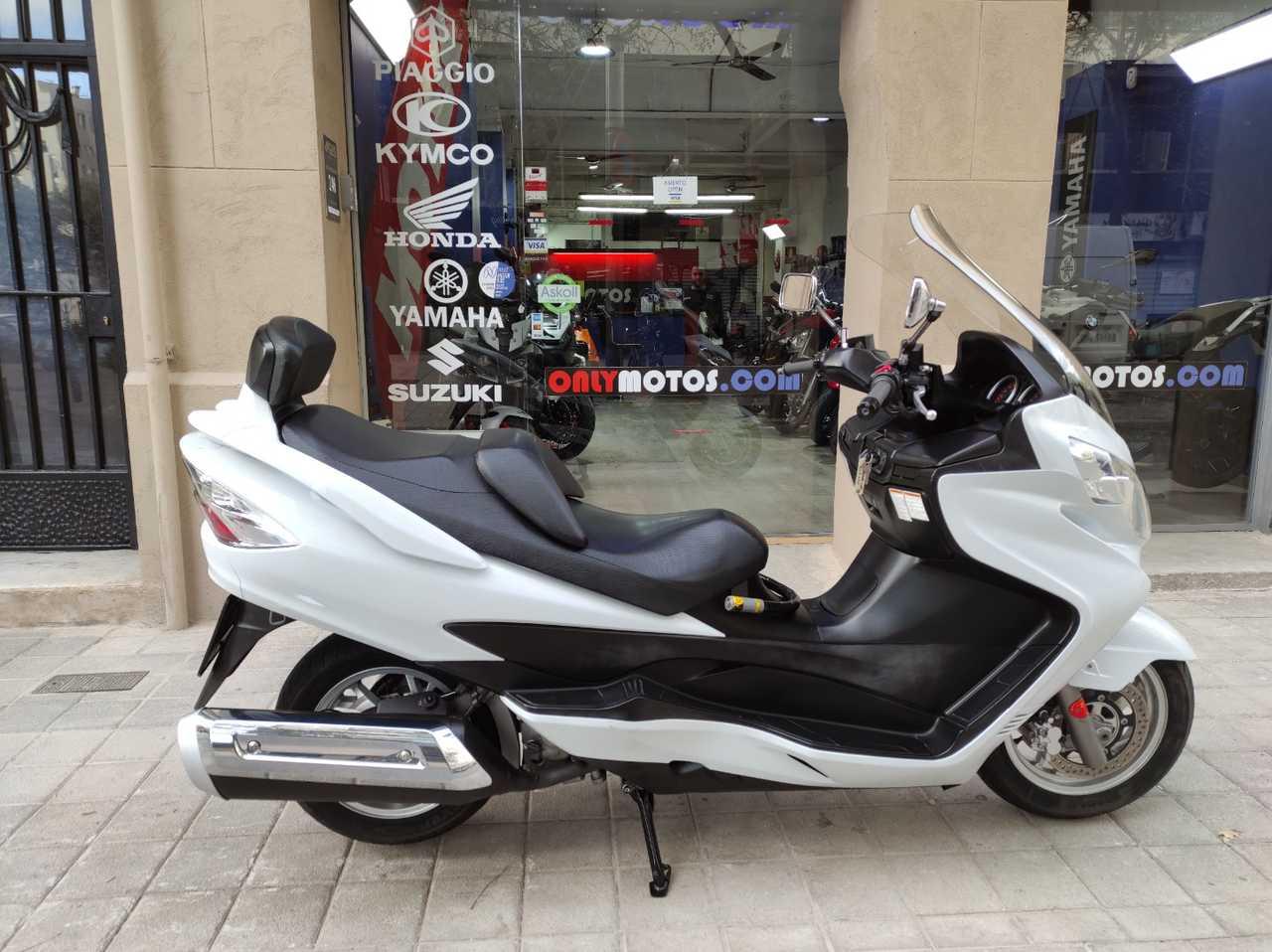 Suzuki Burgman 400 ABS  - Foto 1