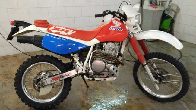 honda xr 600 r en venta en barcelona only motos. Black Bedroom Furniture Sets. Home Design Ideas