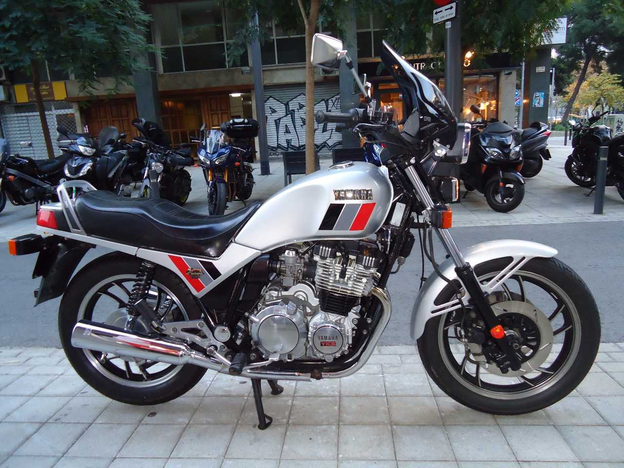 Yamaha XJ 750 CLASICA  - Foto 1