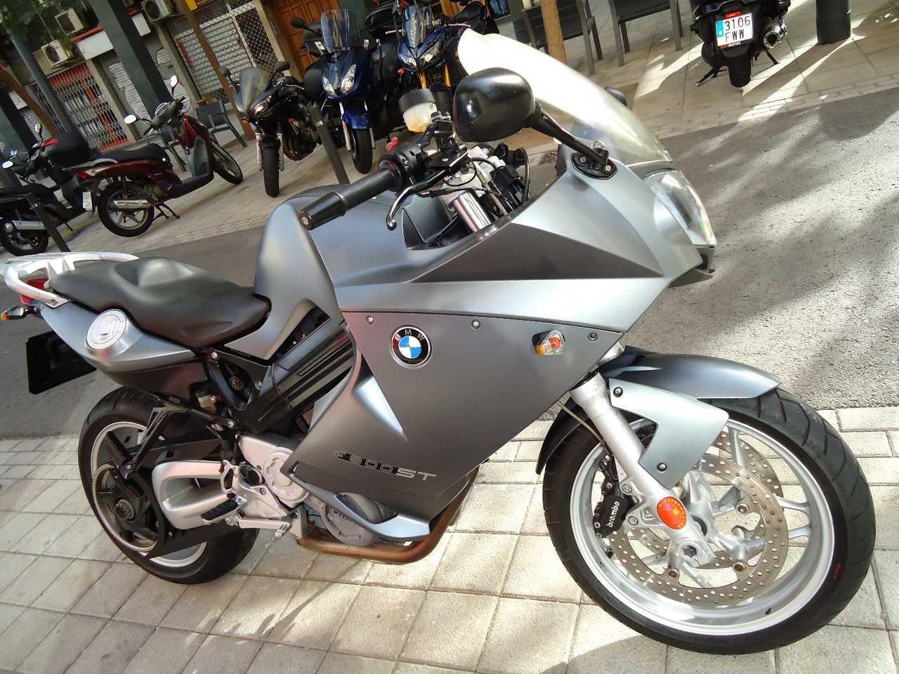 BMW F 800 ST   - Foto 1