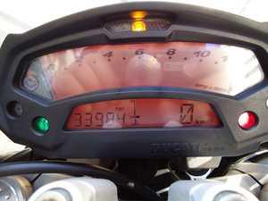Ducati Monster 696 ABS COMO NUEVA  - Foto 3