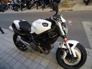 Ducati Monster 696 ABS COMO NUEVA  - Foto 2