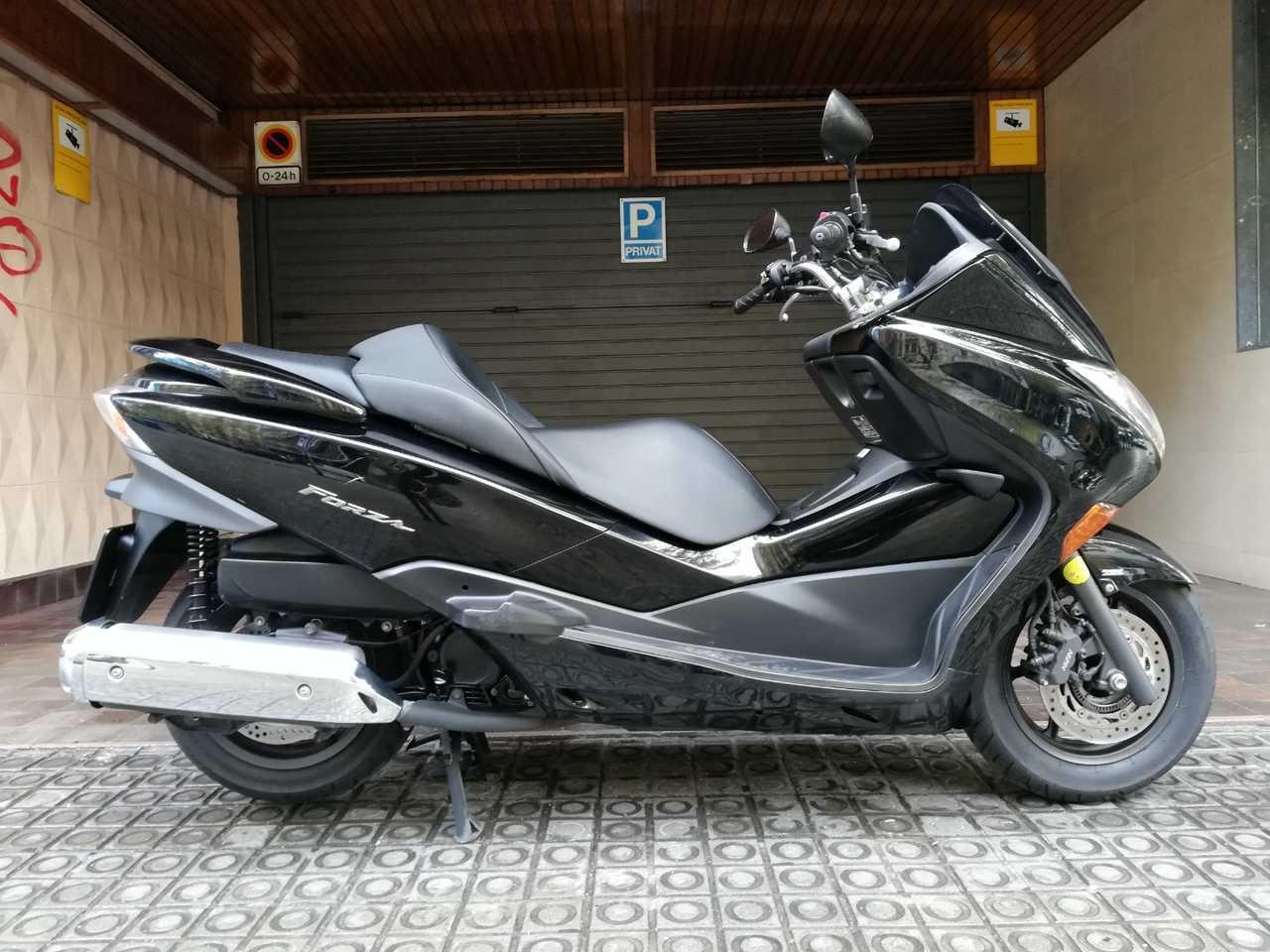 Honda Forza 250 EX (cambio secuencial y ABS)  - Foto 1