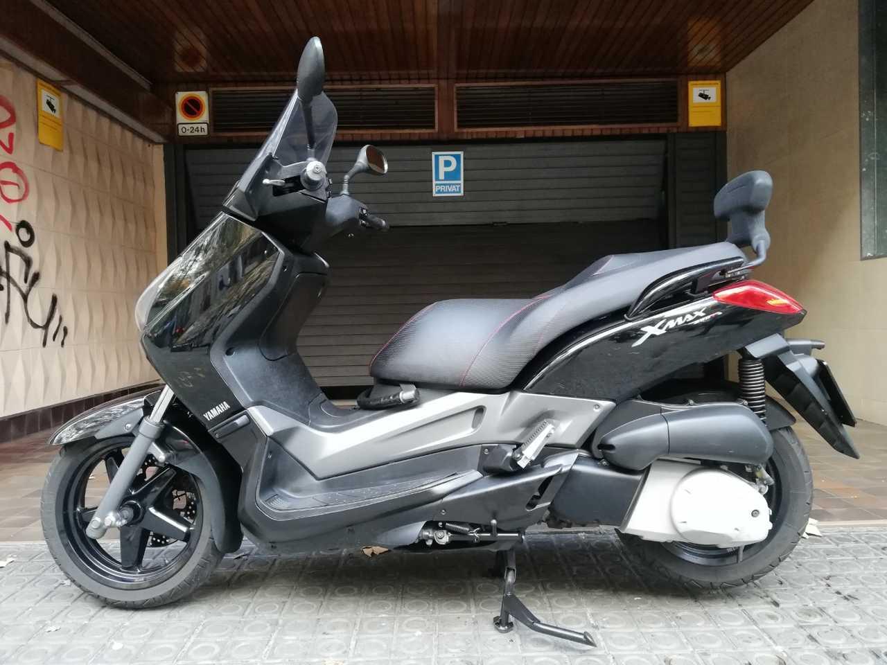 Yamaha X-Max 250 i  - Foto 1