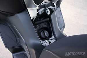 Yamaha X-MAX 400 ABS    - Foto 14