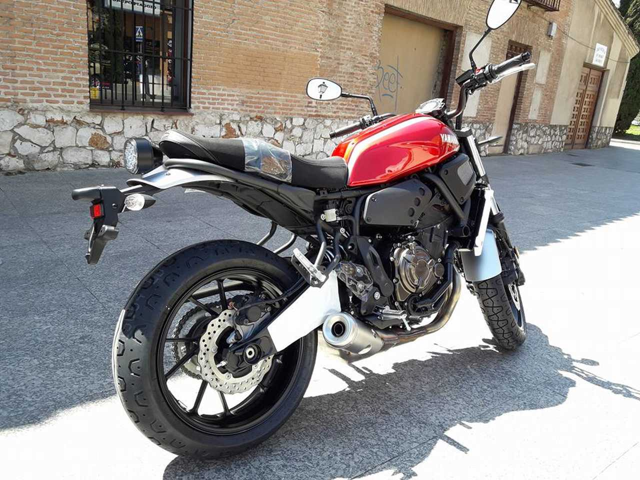Yamaha XSR 700   - Foto 1