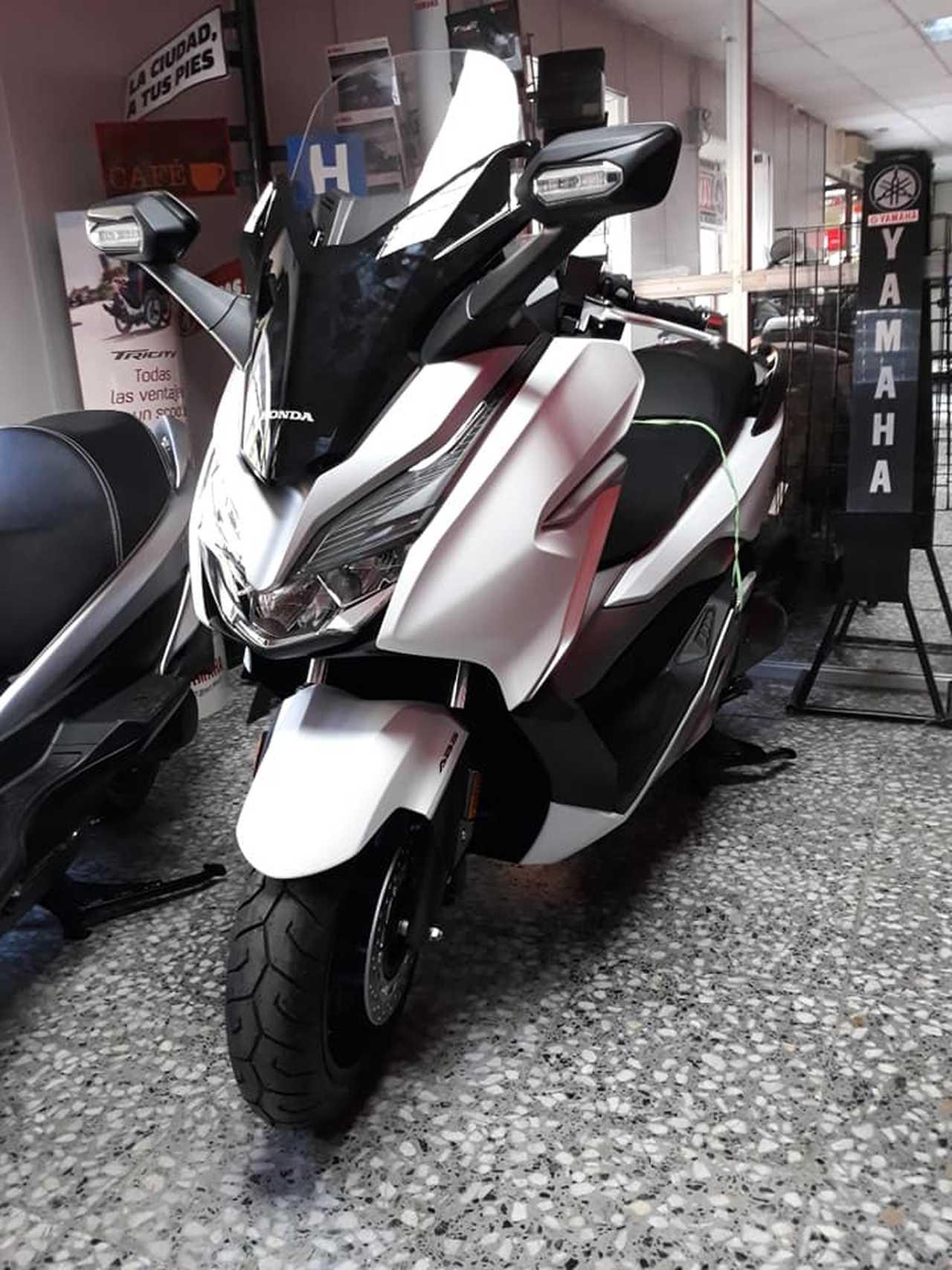 Honda Forza 300 ABS  2018  - Foto 1