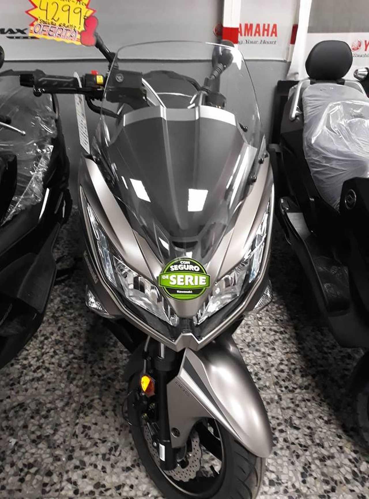 Kawasaki J300 j 125  - Foto 1
