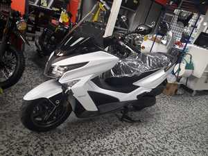 Kymco Grand Dink 300 ABS  - Foto 8