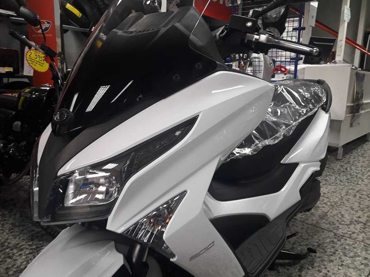 Kymco Grand Dink 300 ABS  - Foto 1