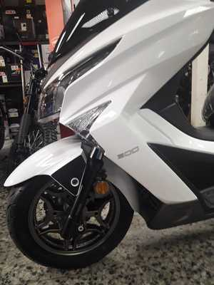Kymco Grand Dink 300 ABS  - Foto 4