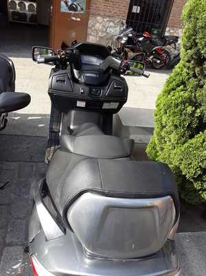 Suzuki Burgman 650 EXCLUSIVE  - Foto 9